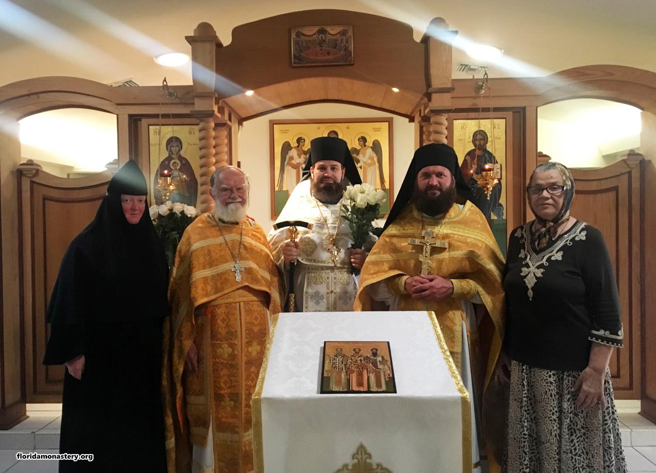 Игумен монастыря молитвенно отметил годовщину священнической хиротонии